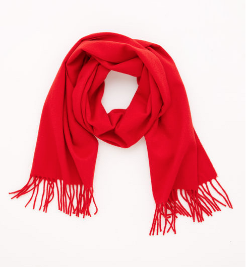 For these cold winter days that have been going on in the east coast and the occasional rainy days in California, this Vineyard and Vines red scarf is perfect for your loved one.